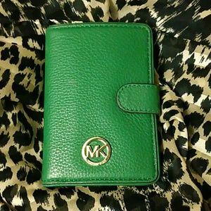 Michael kors passport/card wallet